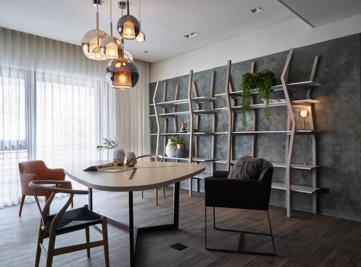 穿引:  餐廳 by 耀昀創意設計有限公司/Alfonso Ideas