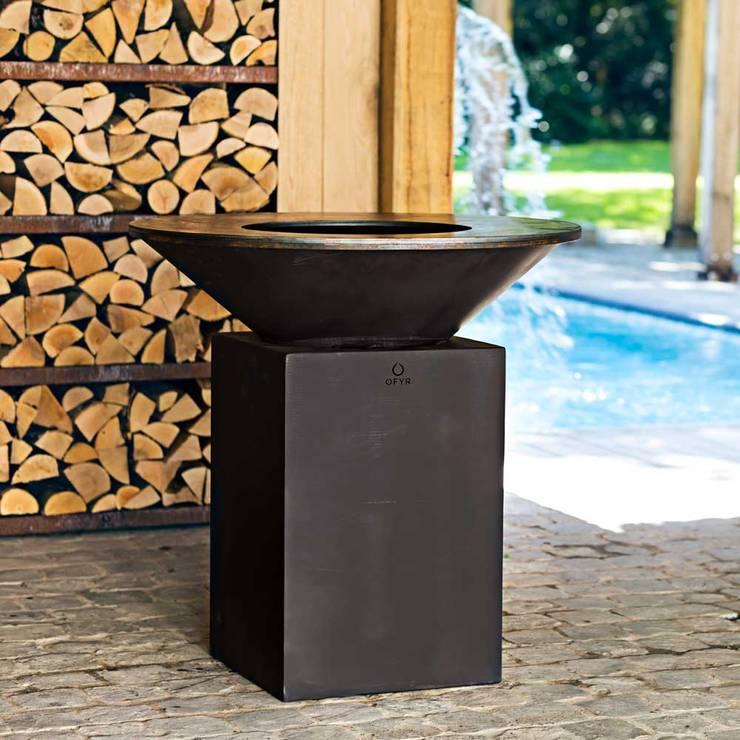 ofyr black: Giardino in stile  di Tonazzo Srl