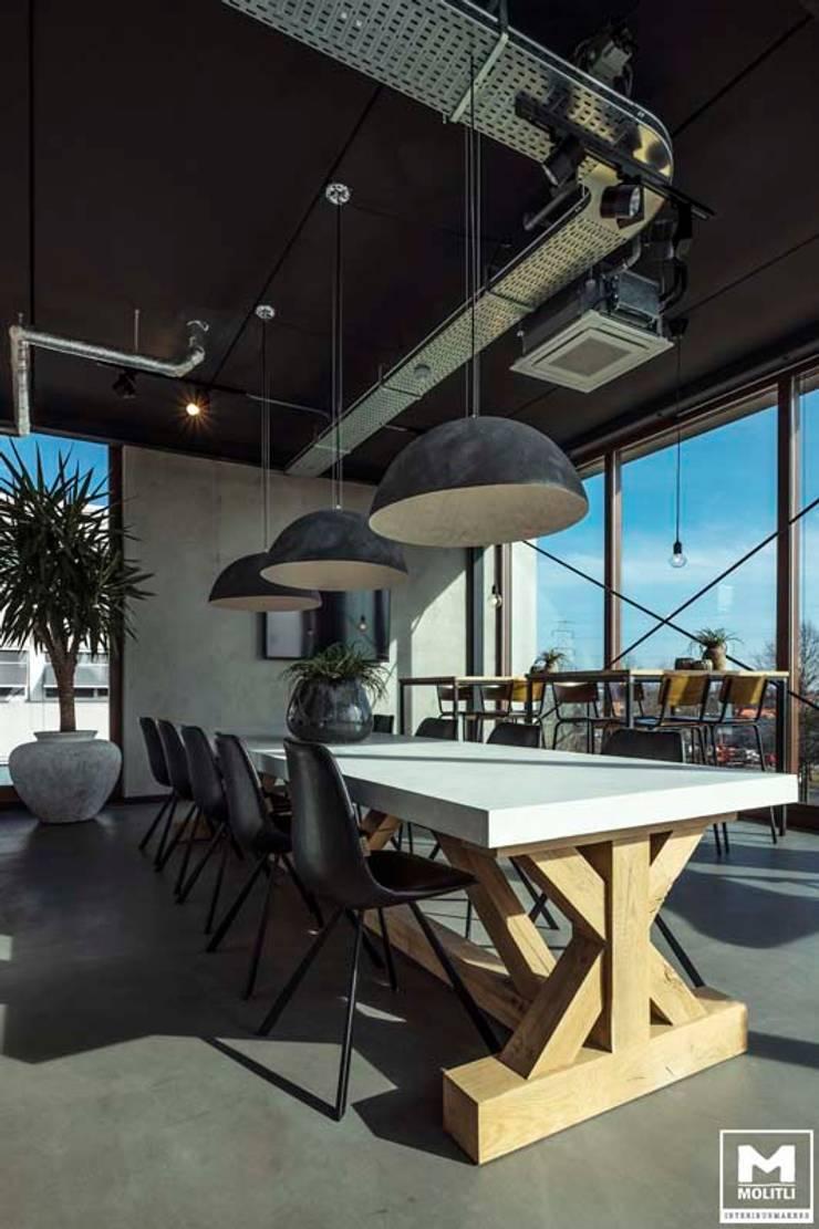 Eminent:  Studeerkamer/kantoor door Molitli Interieurmakers