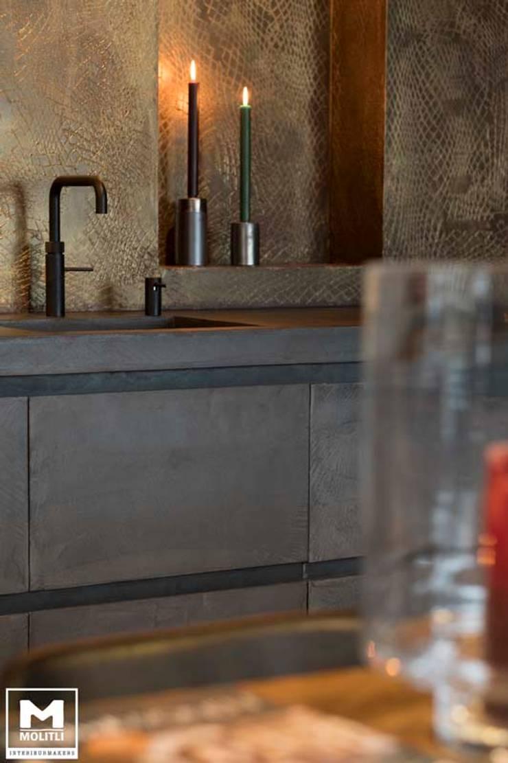 Showroom Molitli:  Keuken door Molitli Interieurmakers, Industrieel