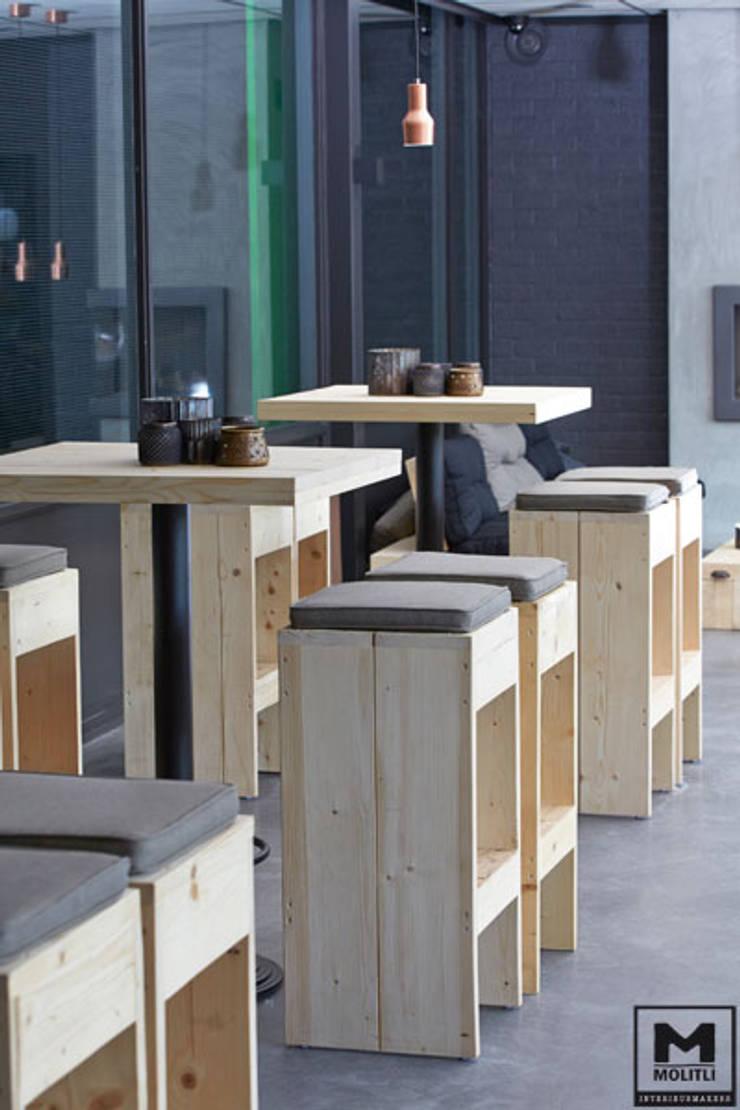 NTC Nijkerk:  Eetkamer door Molitli Interieurmakers