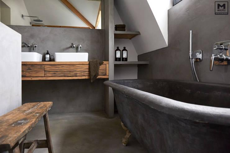 Badkamer betonstuc vrijstaand bad von molitli interieurmakers homify
