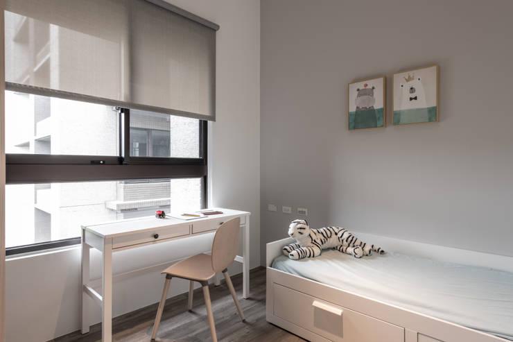 兒童房:  臥室 by 果仁室內裝修設計有限公司