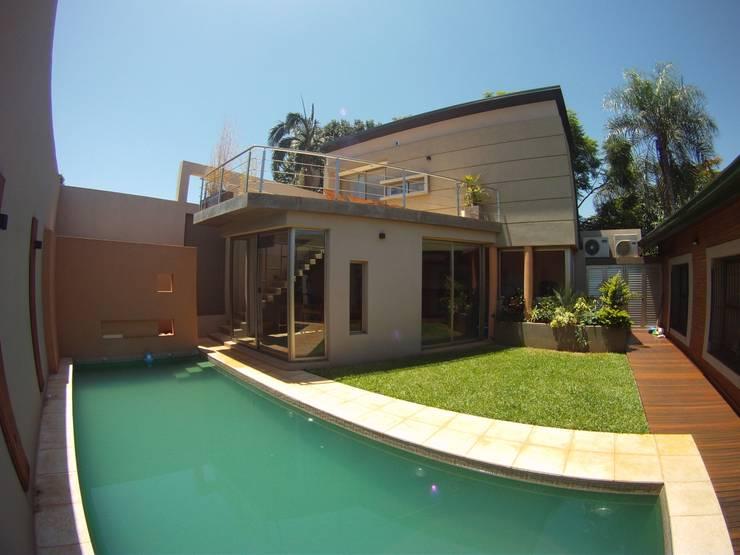IP - Exterior 1: Casas de estilo  por Módulo 3 arquitectura