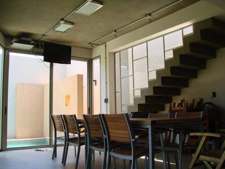 IP - Quincho 1: Comedores de estilo  por Módulo 3 arquitectura