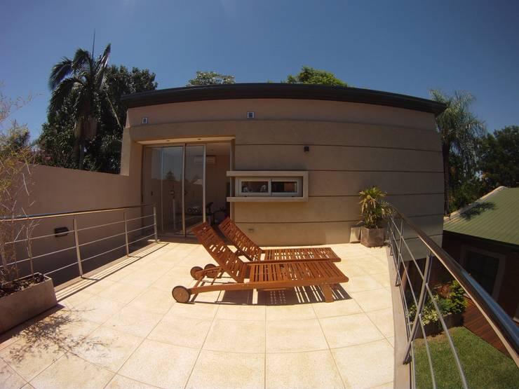 IP - Solarium 2: Terrazas de estilo  por Módulo 3 arquitectura