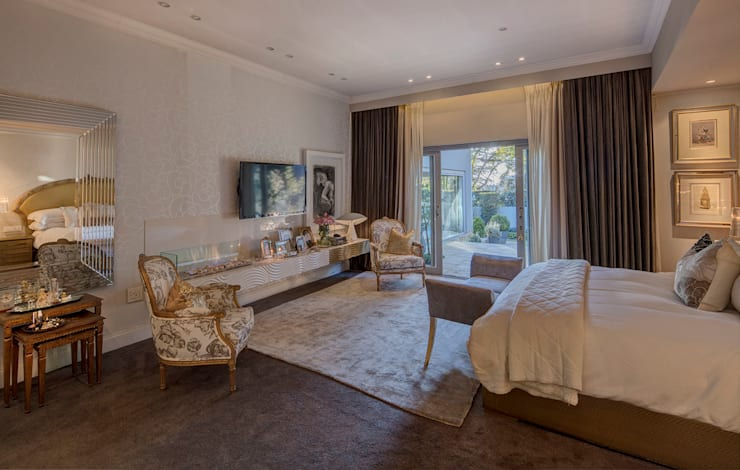 House Parkwood:  Bedroom by Spegash Interiors