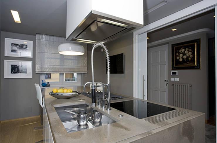 Progetto top cucina in Pietra di Fossena Spazzolata per un ...