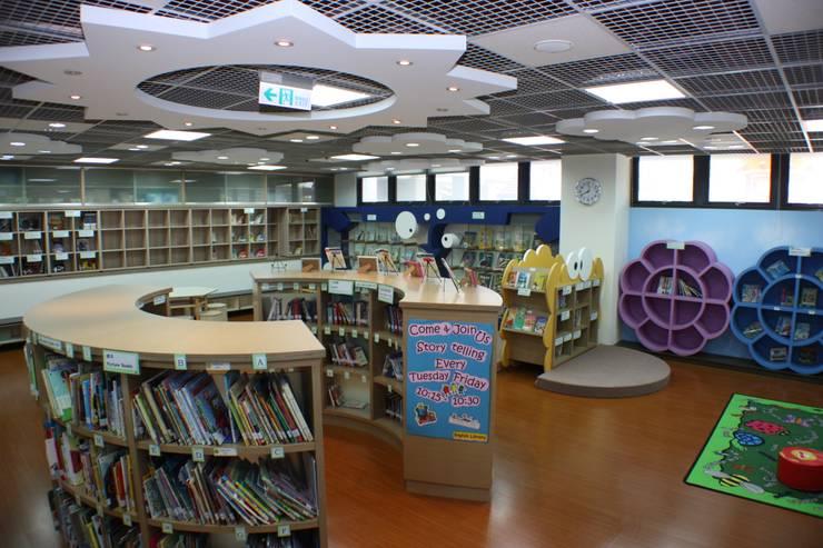 太陽造型的燈光:  學校 by 台中室內建築師|利程室內外裝飾 LICHENG