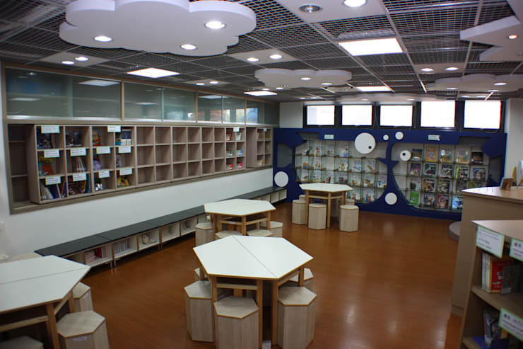 六角桌讓空間增添更多幾何圖形:  學校 by 台中室內建築師|利程室內外裝飾 LICHENG