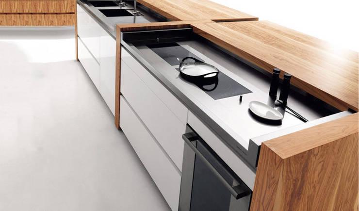 Unit dapur oleh Eurooo Brasil, Klasik Kayu Wood effect