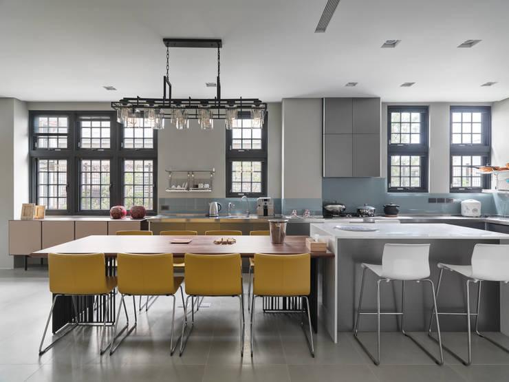 光景 巫宅:  廚房 by WID建築室內設計事務所 Architecture & Interior Design
