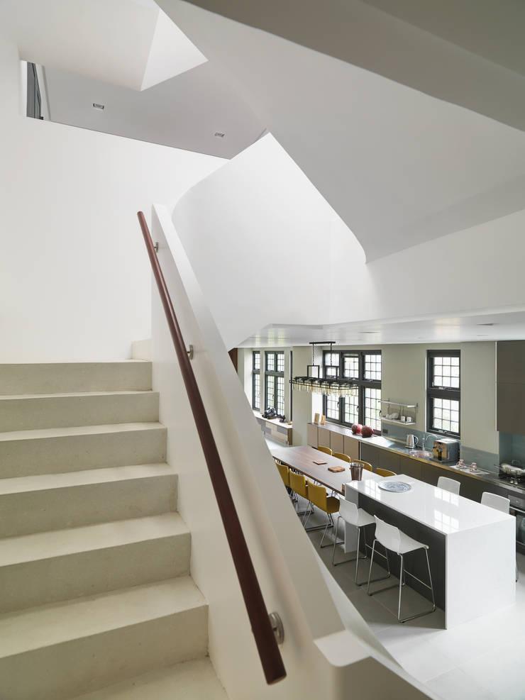 光景 巫宅:  樓梯 by WID建築室內設計事務所 Architecture & Interior Design