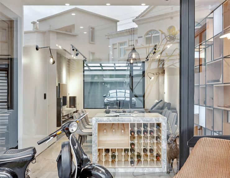 輕 湖口 別墅宅:  窗戶 by WID建築室內設計事務所 Architecture & Interior Design