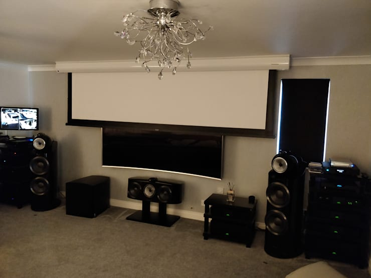 High-End HiFi and Cinemascope Cinema system Salas multimedia de estilo moderno de HiFi Cinema Ltd. Moderno