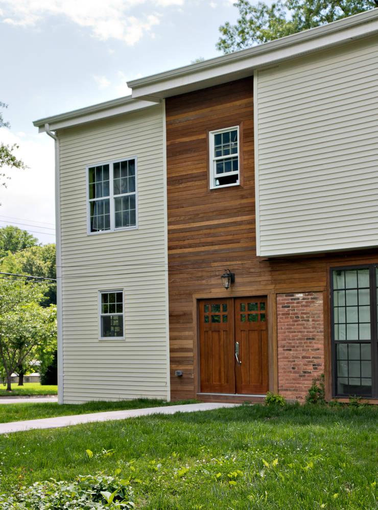 Lorraine St Residence: modern Houses by RT Studio, LLC