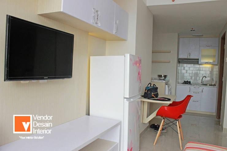 Interior Studio Apartemen Oasis Cikarang:  Interior landscaping by PT Solusi Eka Optima