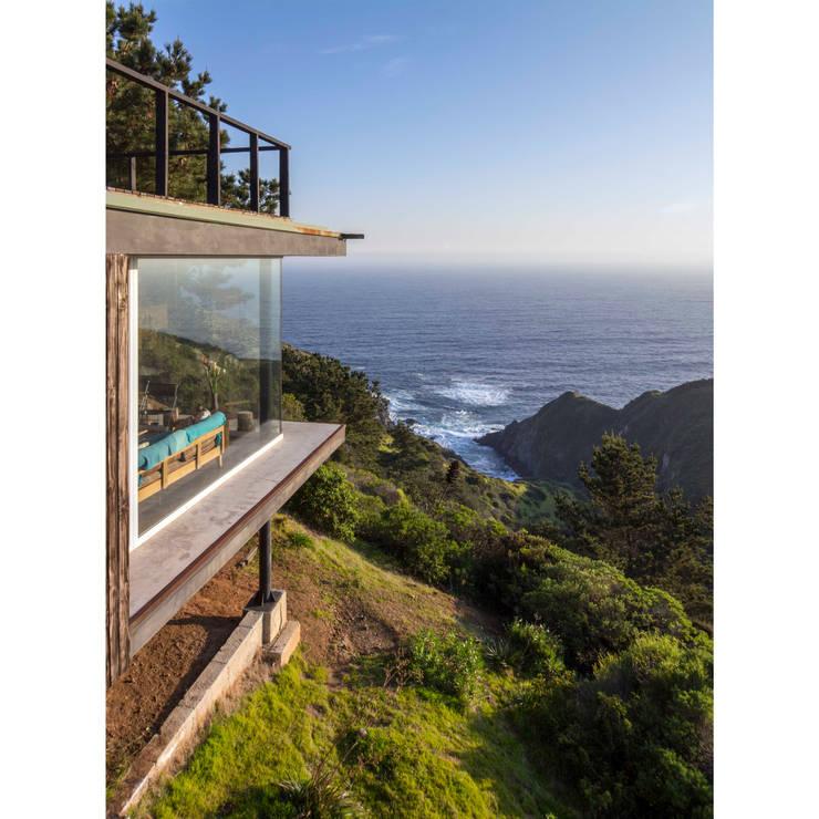 Casa Curaumilla: Casas unifamiliares de estilo  por Crescente Böhme Arquitectos