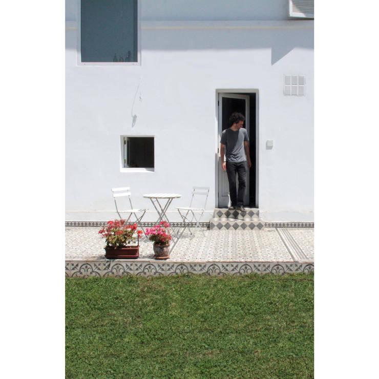 Remodelación Casa García Moreno: Terrazas  de estilo  por Crescente Böhme Arquitectos