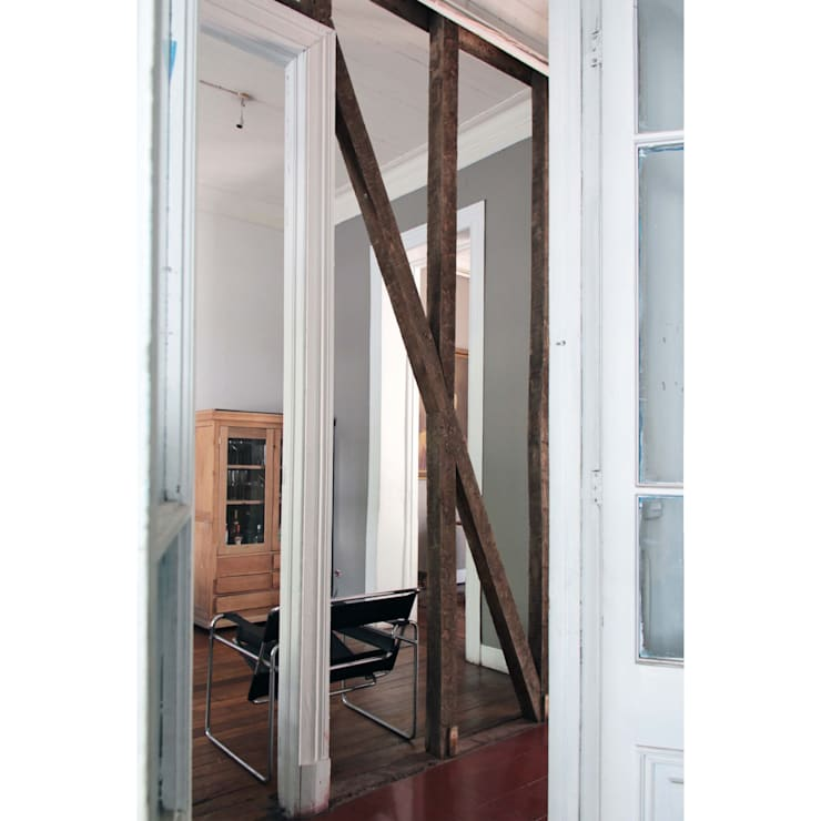 Casa Santa Isabel: Livings de estilo  por Crescente Böhme Arquitectos