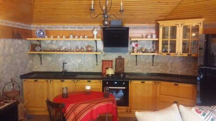 Erim Mobilya  – Masif Ahşap Mutfak Dolabı: rustik tarz tarz Mutfak