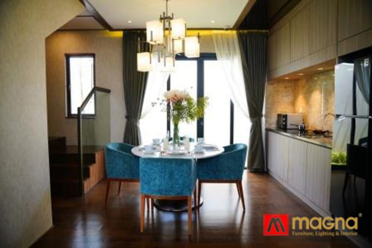 Home modern project:  Dining room by Magna Mulia Mandiri