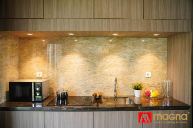 Home modern project:  Kitchen by Magna Mulia Mandiri