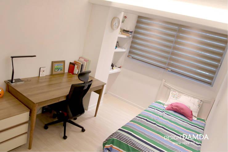 강남구 압구정동 현대아파트 48평: 디자인담다의  방,모던