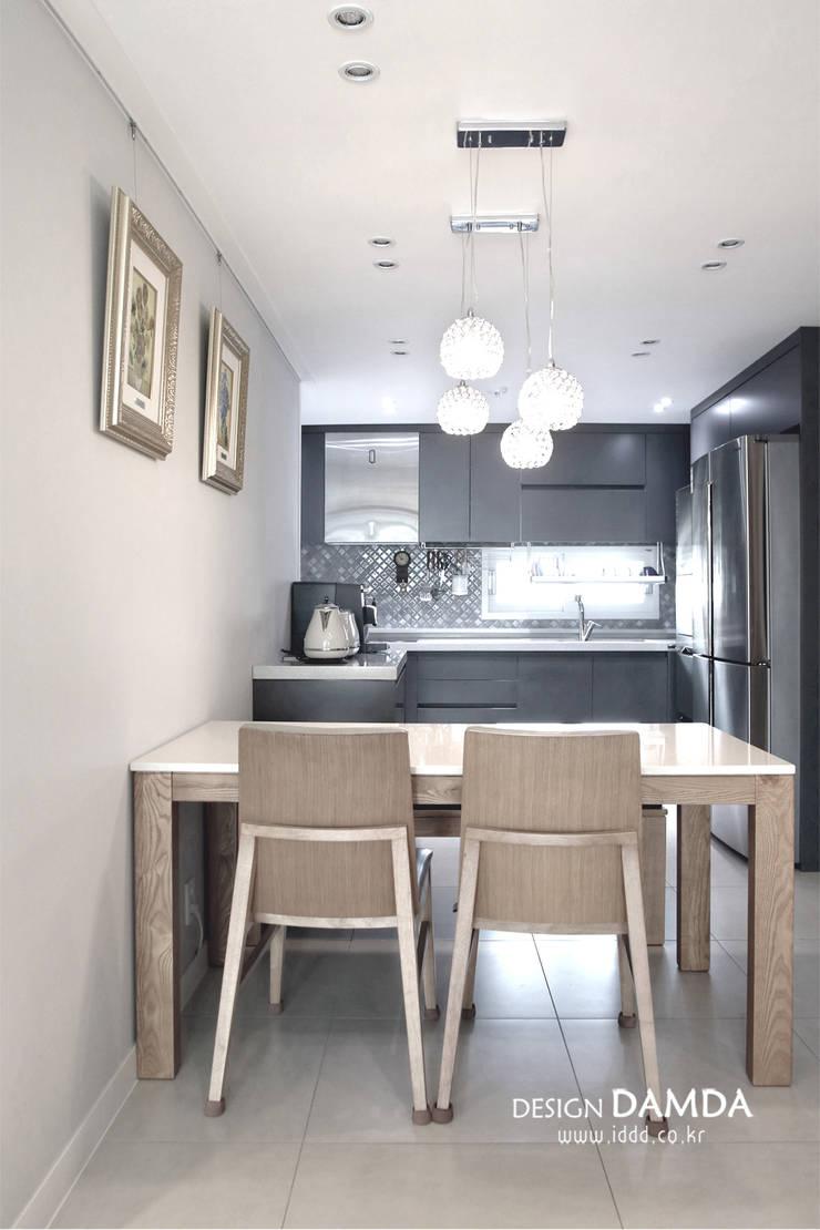 분당구 서현동 시범마을 현대아파트 39평: 디자인담다의  다이닝 룸,모던
