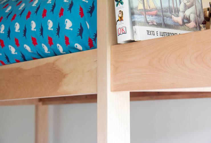 Muebles Luz: Recámaras de estilo  por Crescente Böhme Arquitectos