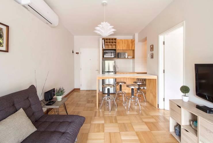 Departamento Santa Lucía: Livings de estilo moderno por Crescente Böhme Arquitectos