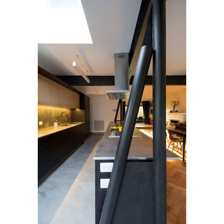 Casa El Bosque: Cocinas equipadas de estilo  por Crescente Böhme Arquitectos
