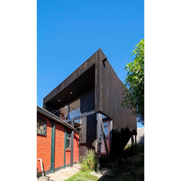 木屋 by Crescente Böhme Arquitectos, 現代風 木頭 Wood effect