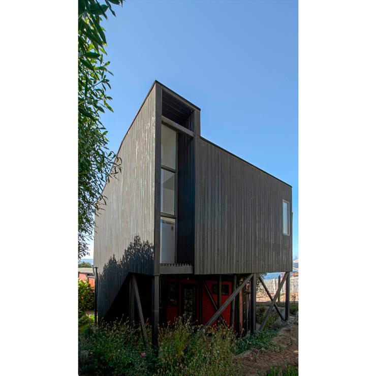 房子 by Crescente Böhme Arquitectos, 現代風 木頭 Wood effect