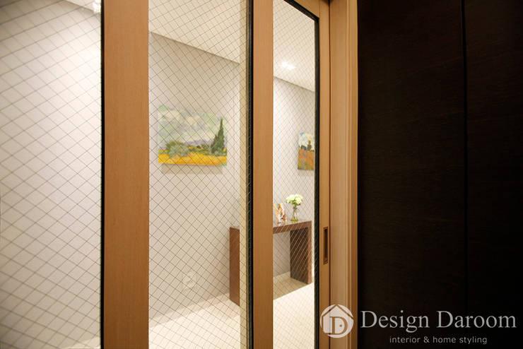 광장동 유진스웰 50py: Design Daroom 디자인다룸의  복도 & 현관,클래식