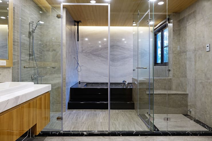 安平區自定義豪宅:  浴室 by houseda