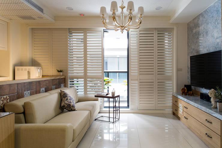 ห้องนั่งเล่น by 松泰室內裝修設計工程有限公司