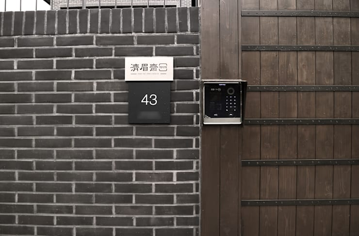 제미재 단독주택 레노베이션 외관: 디자인스튜디오참의  주택
