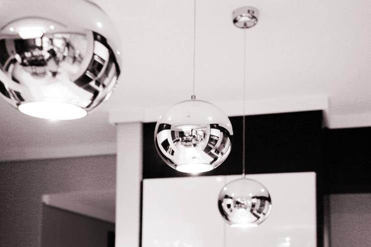 Ebotse Estate:  Kitchen by Vision Tribe