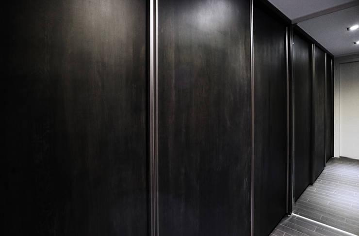 안방: 디자인스튜디오참의  침실
