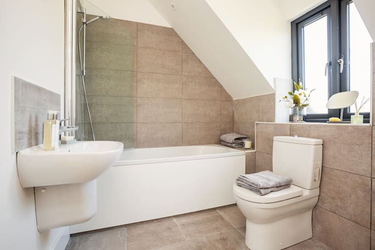 Dry Drayton Show-home: country Bathroom by Sara Slade Interiors