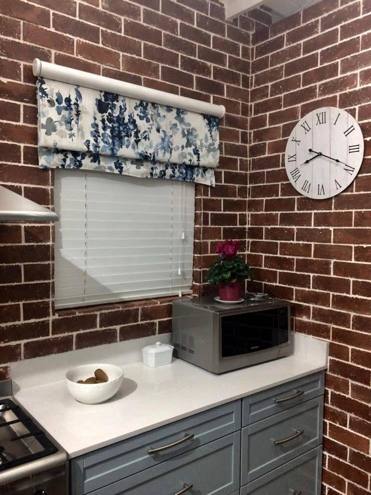 Kitchen Renovation:  Kitchen by CS DESIGN