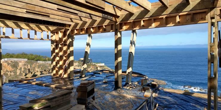 DISEÑO DE CASA EN TUNQUÉN - OBRA: Casas de madera de estilo  por Dušan Marinković - Arquitectura - Santiago