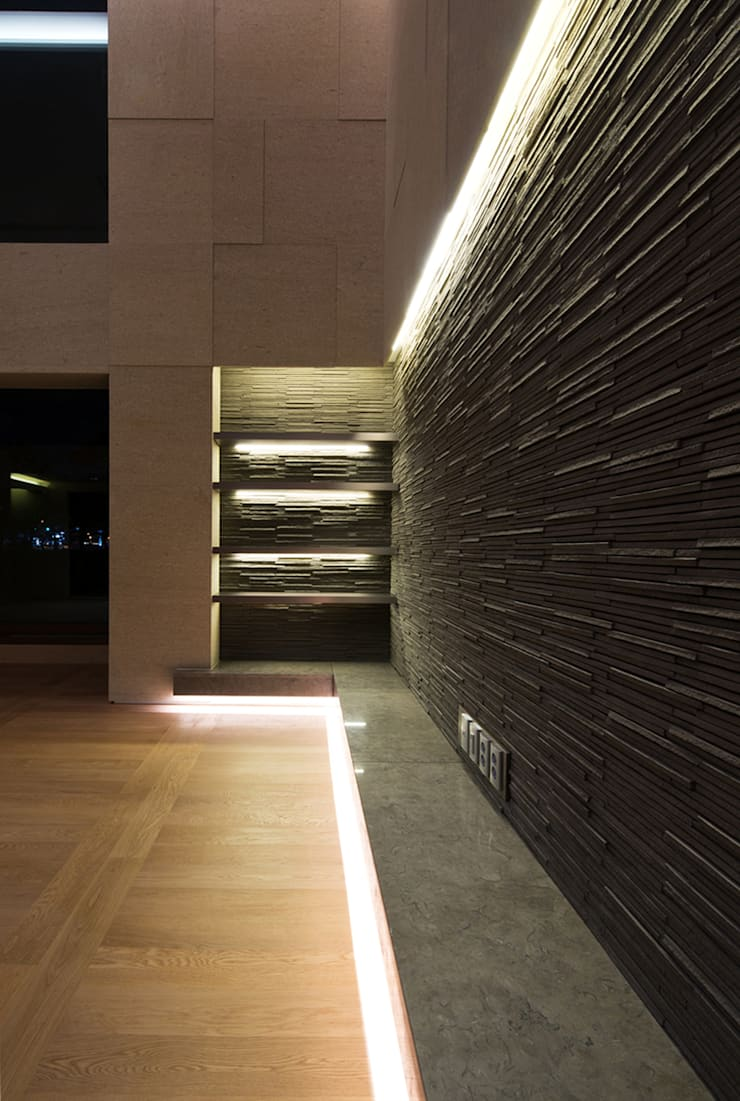 "Casa Normal  ""풍경이 아름다운 집"": Design Tomorrow INC.의  거실,"