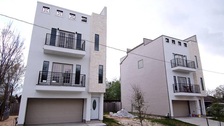 Villas at Robertson:  de estilo  por Banda & Soldevilla Arquitectos