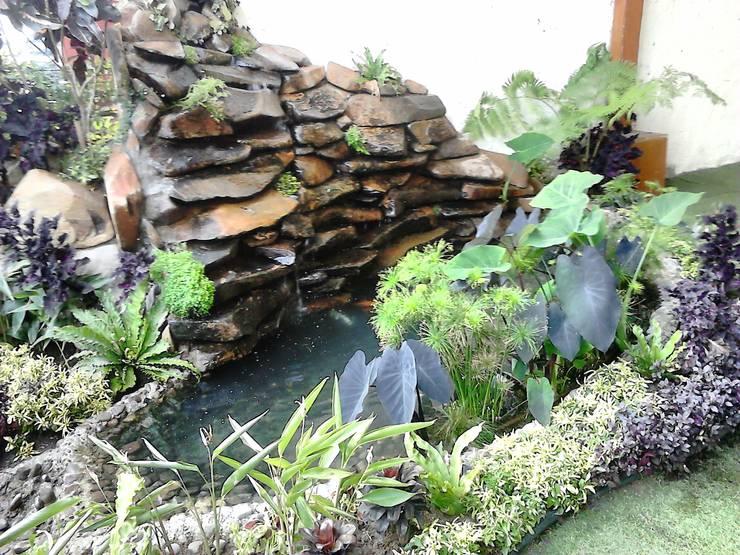 Estanques de jardín de estilo  por Ambient Natura