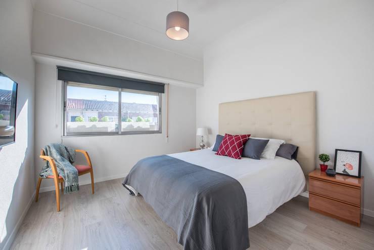 Dormitorio principal después:  de estilo  de CASA IMAGEN