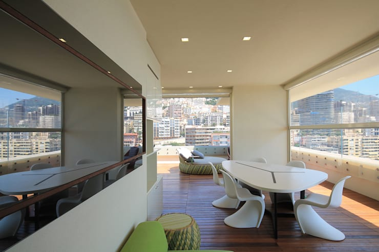 Terrasse de style  par studiodonizelli, Moderne Bois Effet bois