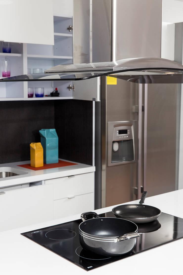 Cocinas – Personalizadas de TRES52 S.A.S Minimalista Aglomerado