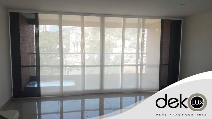 Panel Japonés Screen Combinado: Puertas y ventanas de estilo  por Dekolux Persianas y Cortinas